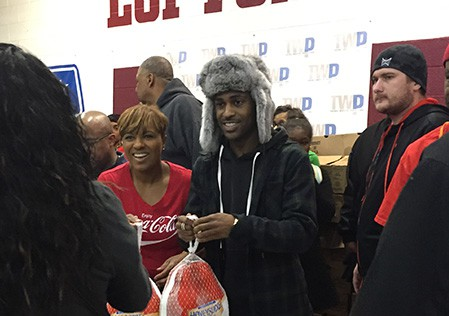 Big Sean Gives Back In Detroit